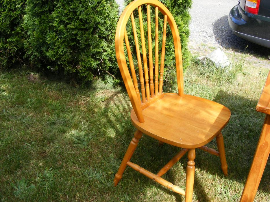 Table and 2 chairs 60 OBO Central Nanaimo Nanaimo MOBILE : 47156319934 from www.usednanaimo.com size 934 x 700 jpeg 166kB