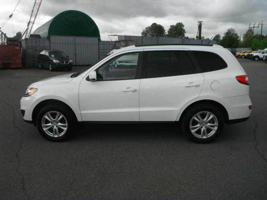2012 Hyundai Santa Fe Gls 2 4 4wd Outside Victoria Victoria