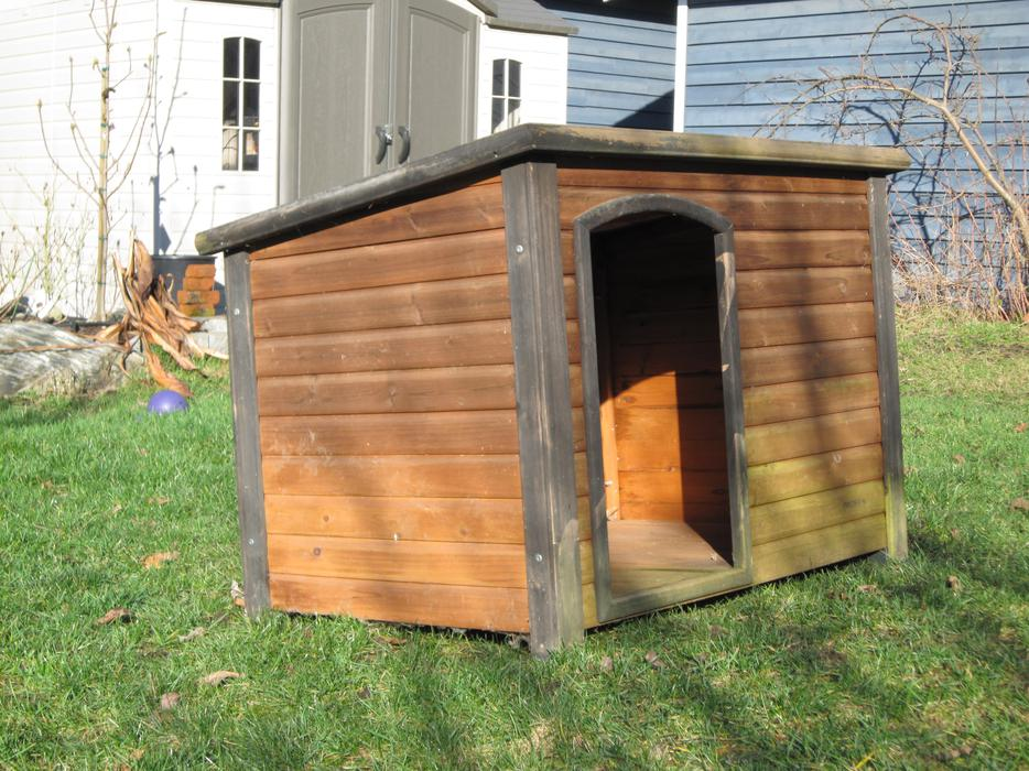 Dog house top paw outback log cabin burnaby incl new for Outback log cabin dog house