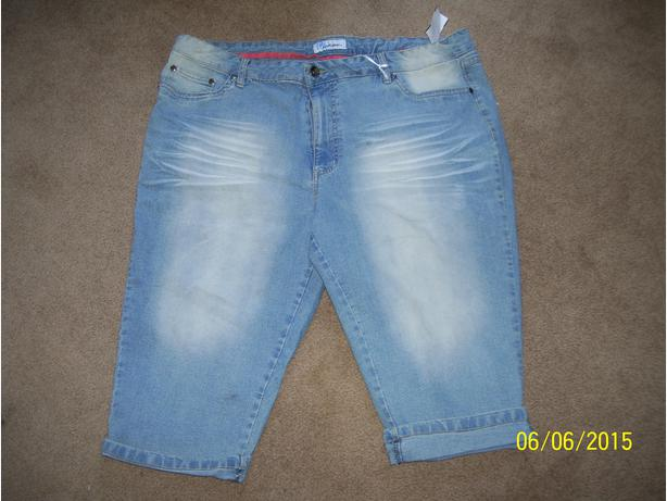 Womens size 2x denim capris New TAGS STILL ON