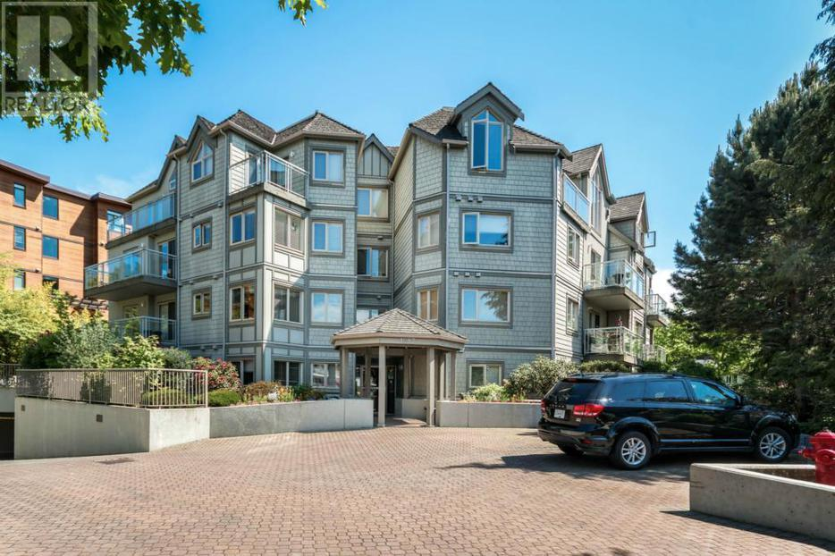105 1687 poplar ave victoria british columbia v8p4k5 for 105 st georges terrace