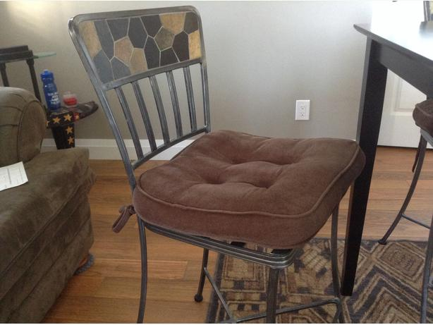 4 Bar Height Chairs And Table Pier One West Shore