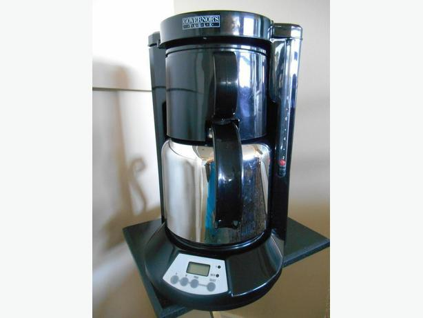 Coffee Maker Keeps Coffee Hot : 8-Cup Coffee Maker w/insulated carafe Saanich, Victoria