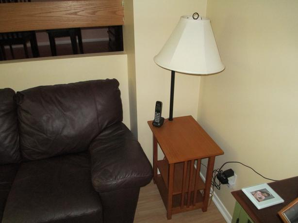log in needed 25 end table with built in lamp. Black Bedroom Furniture Sets. Home Design Ideas