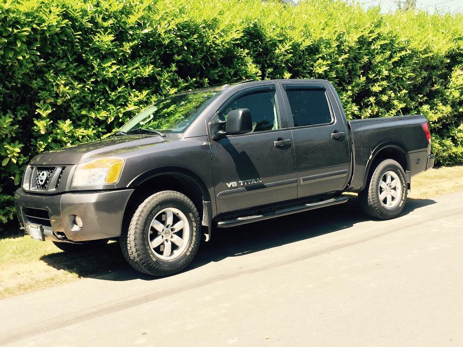 2012 Nissan Titan Pro 4x Saanich Victoria