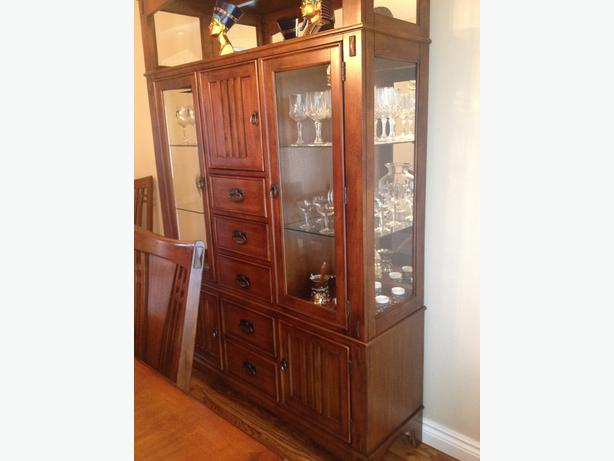 Dining room hutch display cabinet nepean ottawa for Dining room display