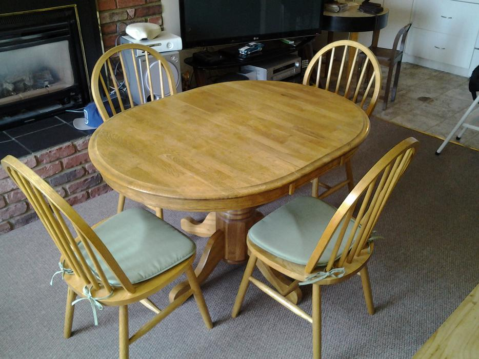 SOLID WOOD KITCHEN OR DINING TABLE4 CHAIRS Victoria  : 47194076934 from www.usedvictoria.com size 934 x 700 jpeg 101kB