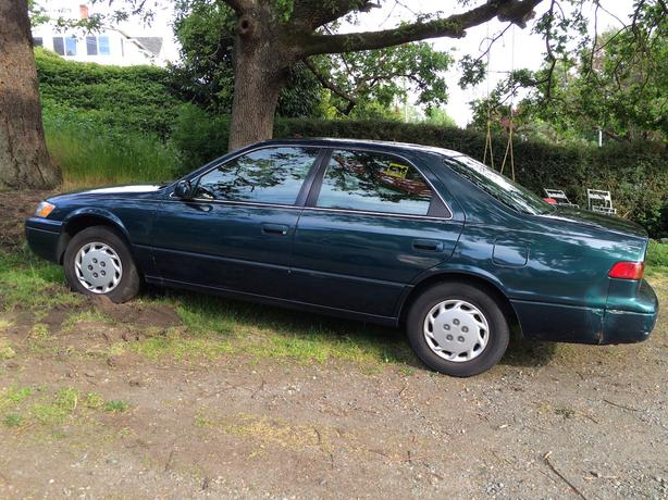 great price 1997 toyota camry saanich victoria. Black Bedroom Furniture Sets. Home Design Ideas
