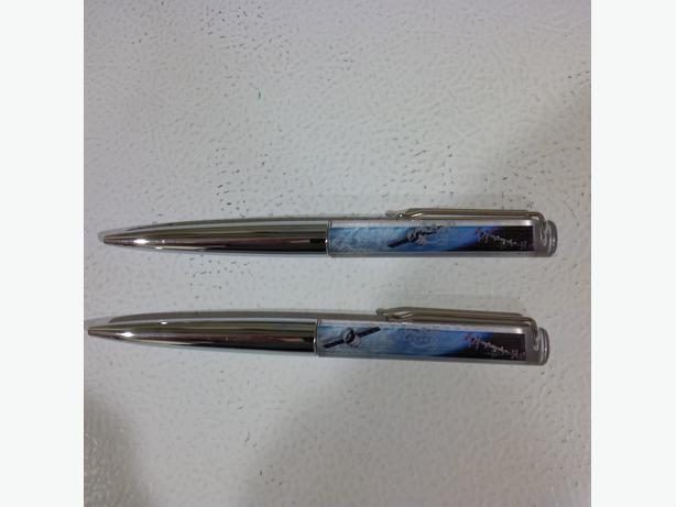 Pens with a Space Theme:  Floating Dragon capsule headed to the ISS