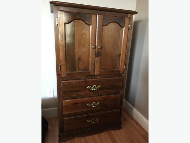Moving Sale Complete Bedroom Set Solid Wood Pine North Nanaimo Nanaimo