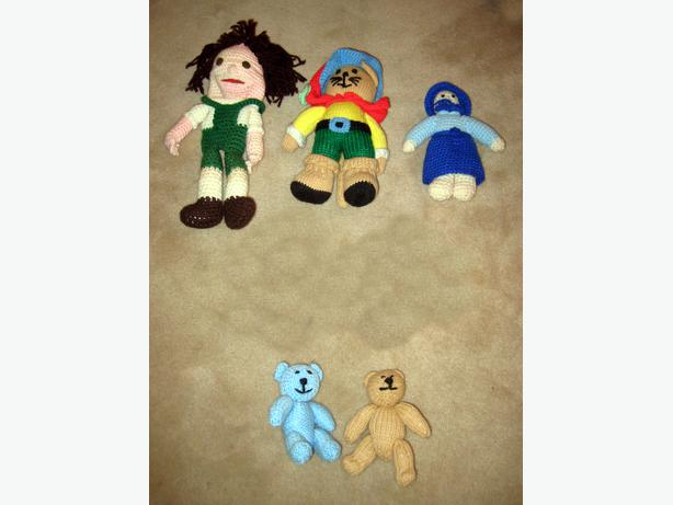 8 Assorted Dolls or Doll-like Items