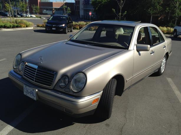 1999 mercedes benz e320 4matic all wheel drive sedan for Mercedes benz e320 1999