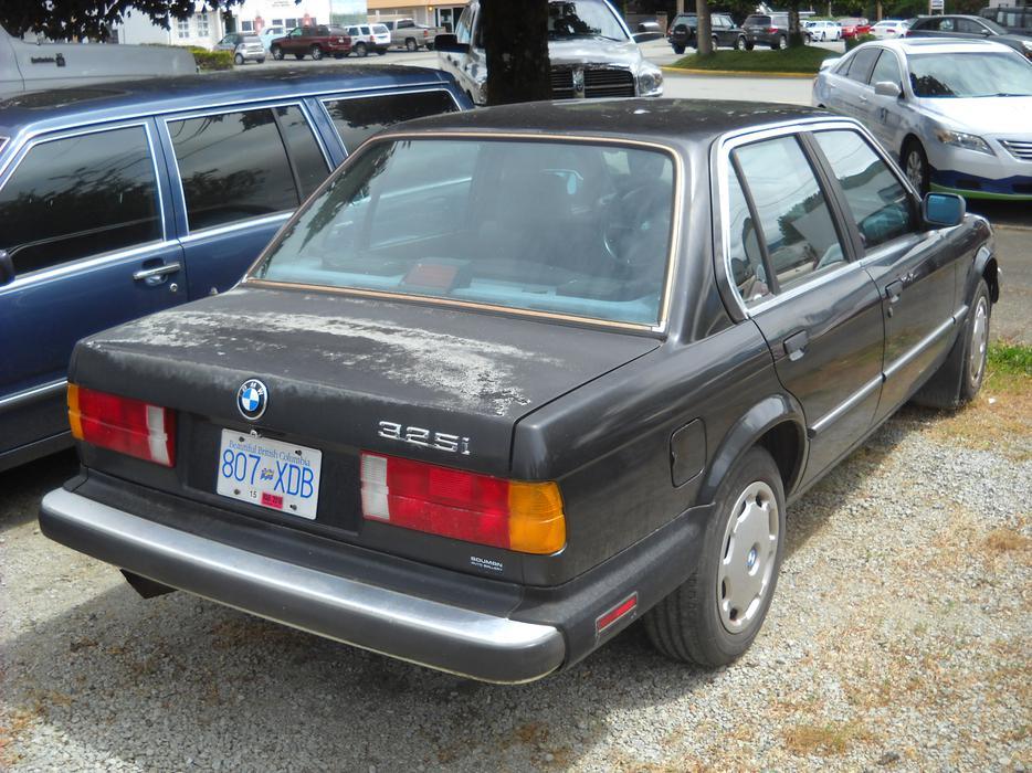 Bmw325i 1987 Outside Victoria Victoria Mobile