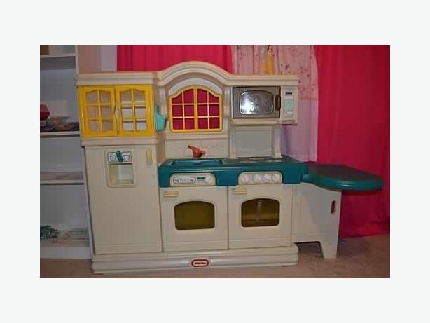 Little Tikes Victorian Play Kitchen South Regina Regina