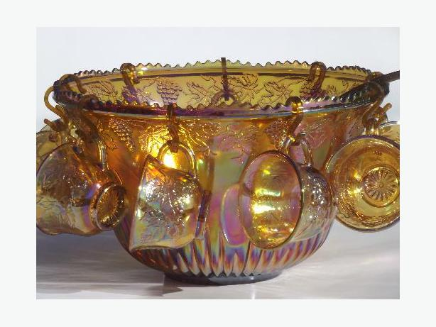 Vintage Indiana Iridescent Carnival Glass Harvest Grape Gold Punch Bowl Set