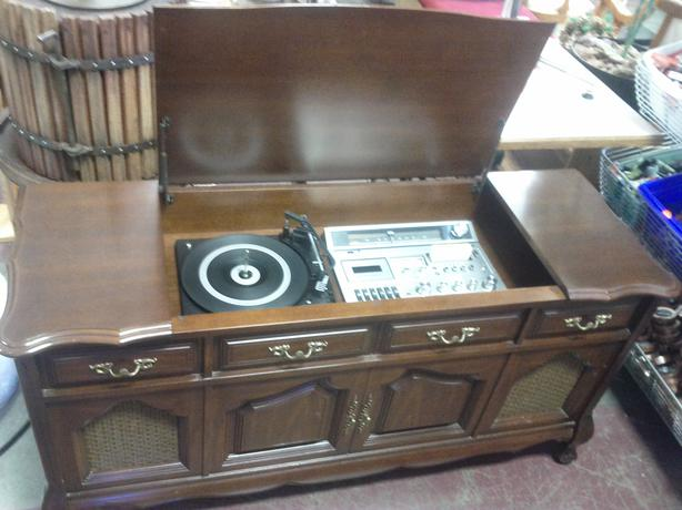 Attractive Vintage Stereo Cabinet