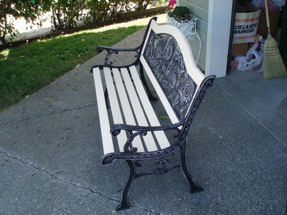 Garden bench central nanaimo nanaimo mobile for Outdoor furniture victoria bc