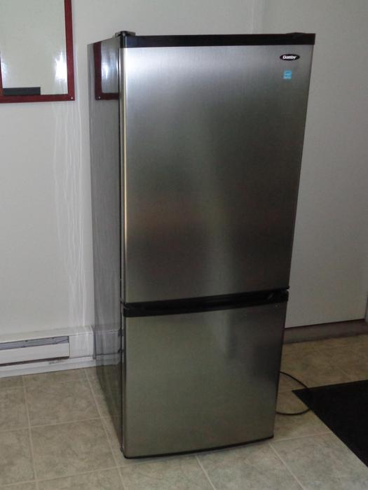 9 2 cu ft danby apartment size refrigerator freezer