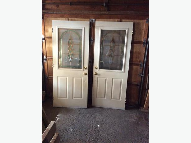 Double front doors metal doors with decorative glass inserts orleans ottawa mobile for Exterior doors ottawa