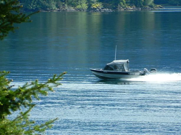 North river seahawk welded aluminum fishing boat outside for Seahawk fishing boat