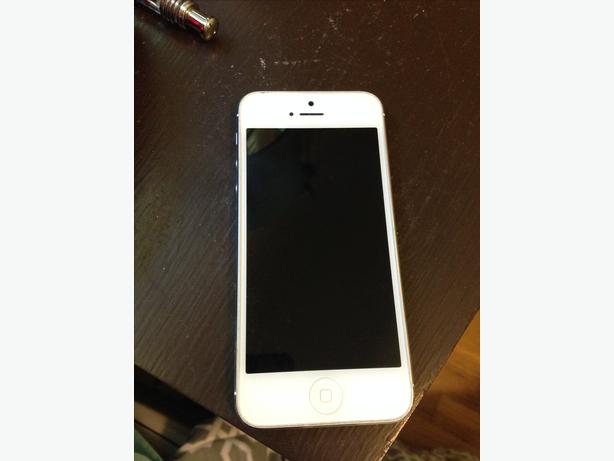 used iphone 5 for sale iphone 5 for 200 obo in great condition oak bay 18141
