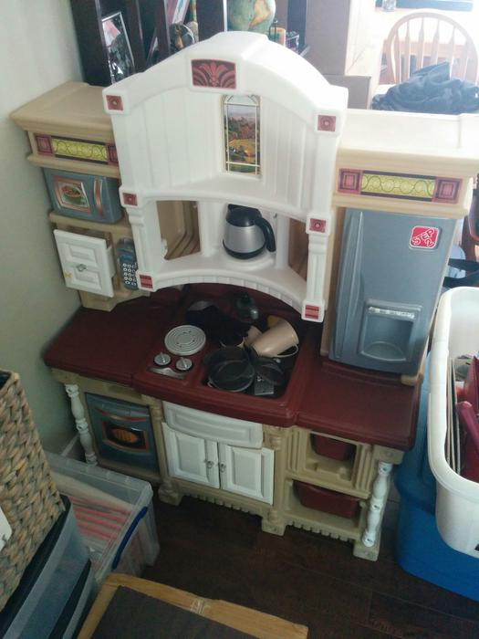 Step 2 Play Kitchen With Accessories West Shore Langford Colwood Metchosin Highlands Victoria