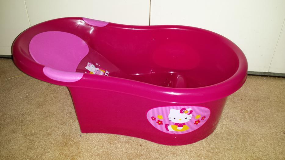 baby bathtub saanich victoria. Black Bedroom Furniture Sets. Home Design Ideas