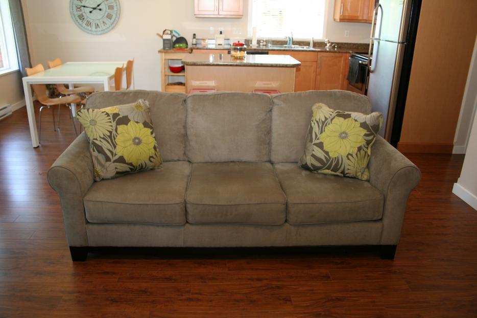 Corduroy fabric sofa from ashley furniture outside nanaimo for Ashley furniture montreal