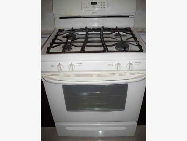 Gas Stove Self Cleaning With Large Matching Microwave