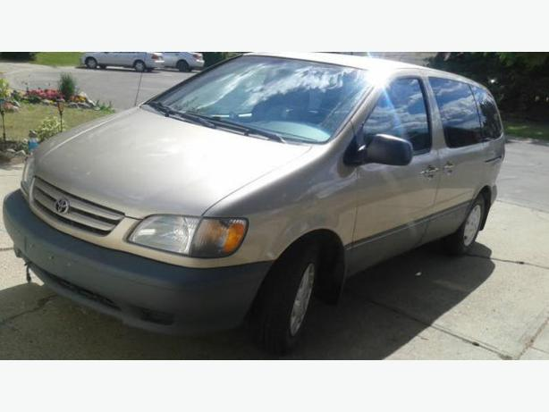 2002 toyota sienna ce minivan low km with 4 extra winter. Black Bedroom Furniture Sets. Home Design Ideas
