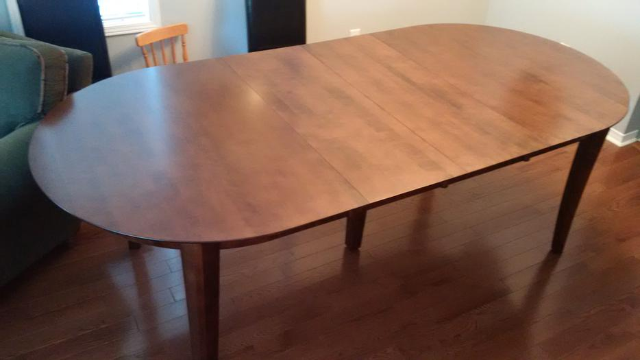 Oval dining room table orleans ottawa for Dining room tables kelowna