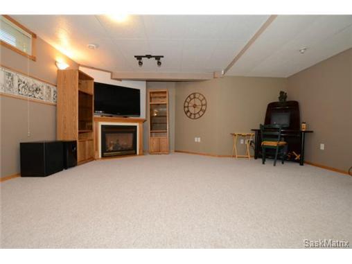 windsor park 3 bedroom 4 bath furnished house for rent east regina