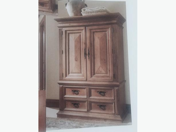log in needed 5 000 thomasville 4 piece santiago bedroom furniture