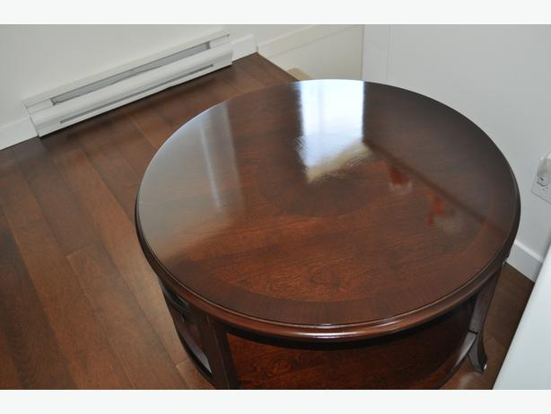 Coffee table victoria city victoria for 34 inch round coffee table