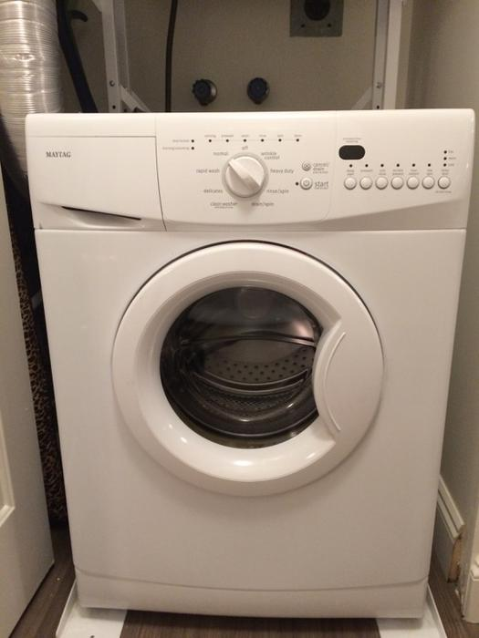24 Quot Wide Apartment Size Stacker Washer Dryer Saanich Victoria