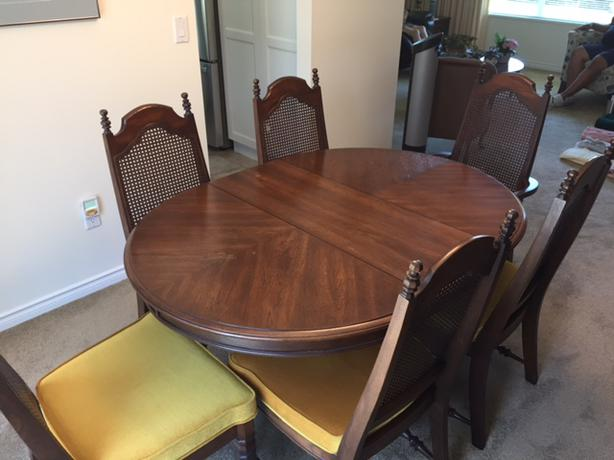 Dining table chairs excellent condition langley