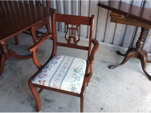 Duncan Phyfe Dining Table 4 Chairs China Cabinet Outside Ottawa Gatin
