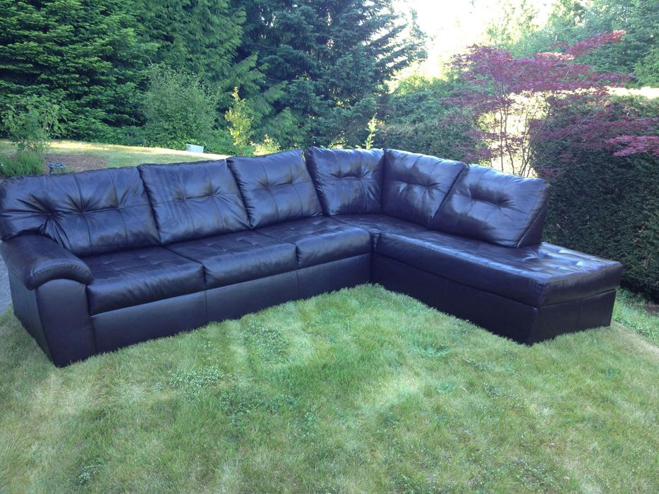 Sectional Chaise Couch Mill Bay Cowichan