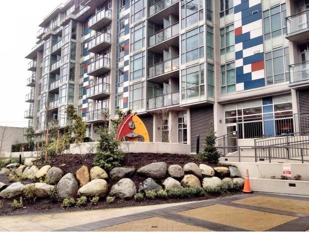 Furnished Condo for Rent in The Pinnacle Building in False Creek #575