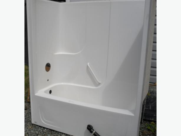one piece bath tub shower lake cowichan cowichan