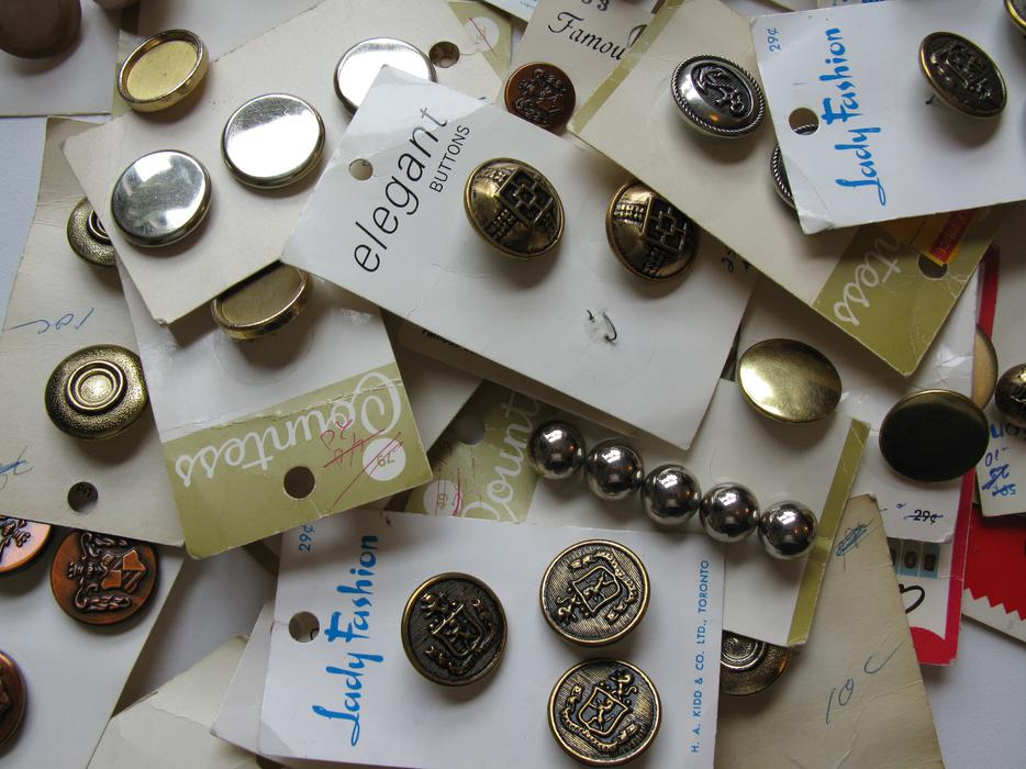 Vintage old buttons price change from pre estate sale for Craft buttons for sale
