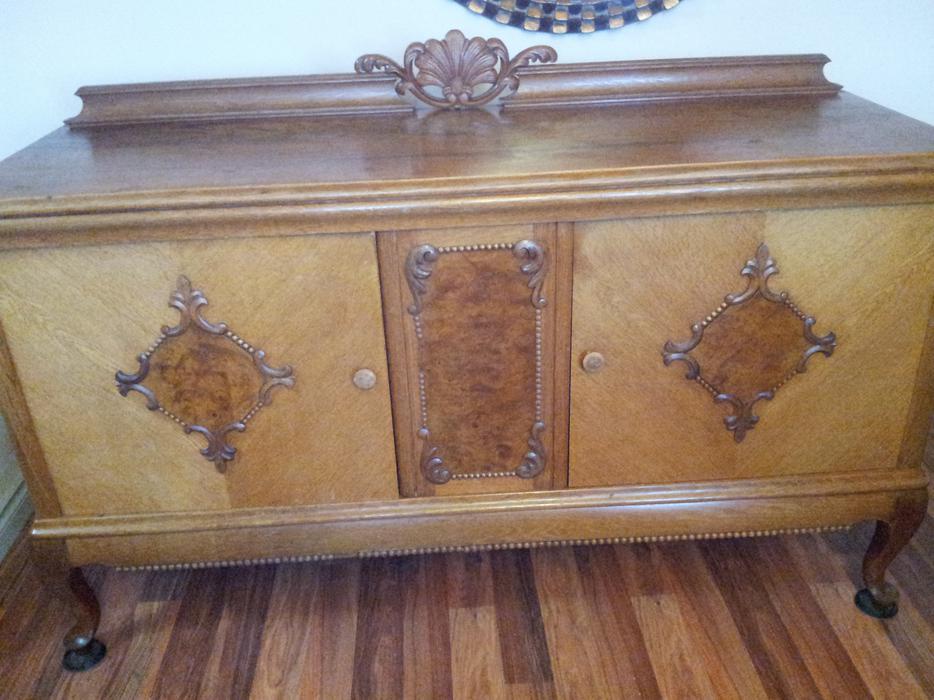 Beautiful oak real wood sideboard saanich victoria for Sideboard real