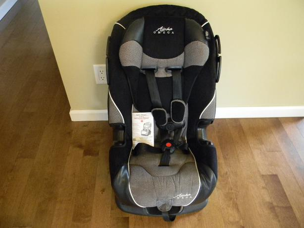 cosco alpha omega 3 in 1 car seat south regina regina. Black Bedroom Furniture Sets. Home Design Ideas