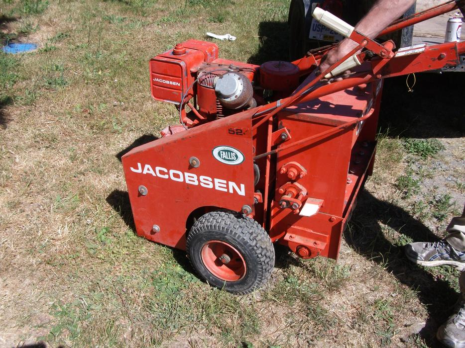 Aerator And Seeder : Jacobsen aerator seeder hp i c briggs and stratton