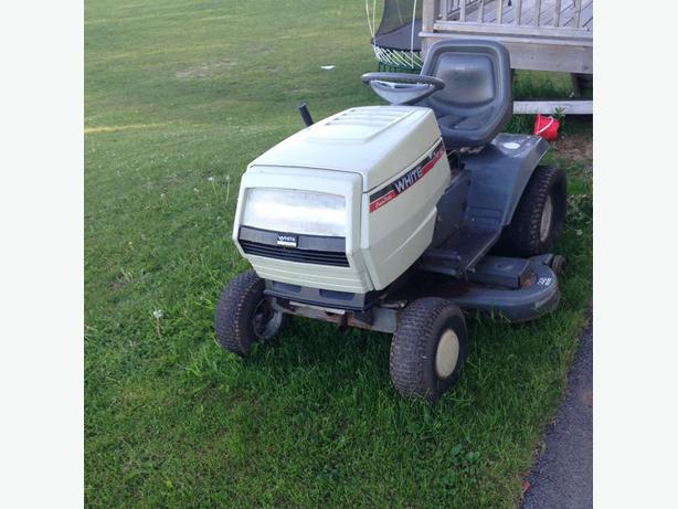 White Tractor Lawn Mower For Sale 46 Quot Deck Summerside Pei
