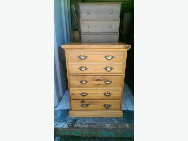 Knotty Pine Bedroom Highboy Dresser Central Nanaimo Parksville Qualicum Beach Mobile