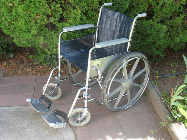 Mint Theradyne Maxim Manual Wheelchair For Sale