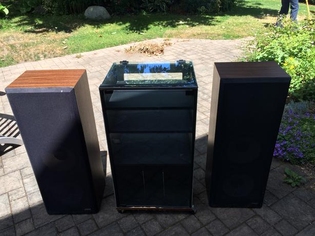 hitachi speakers. vintage 80\u0027s hitachi speakers in working condition