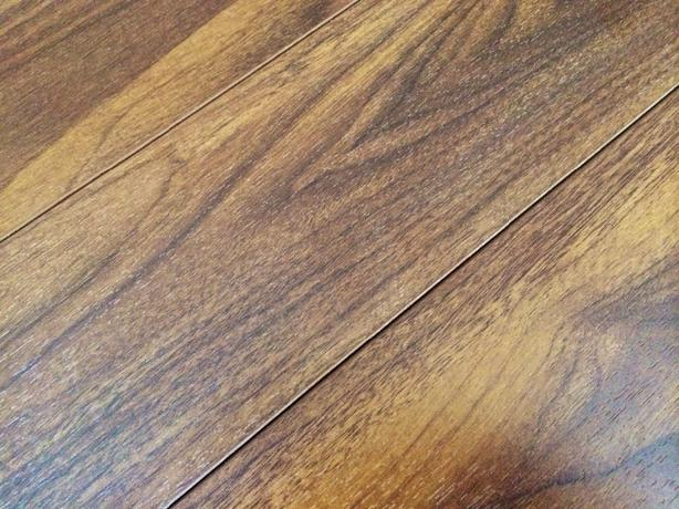 New laminate flooring 80 sq ft duncan cowichan for Laminate flooring waterloo