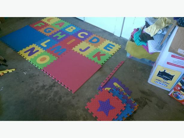 Wanted foam floor blocks childrens or just plain is for Foam block floor